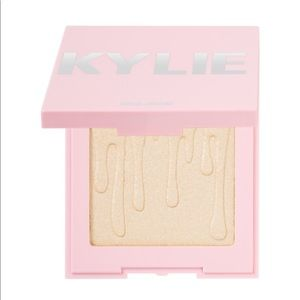 Brand New Kylie - Ice Me Out - highlighter